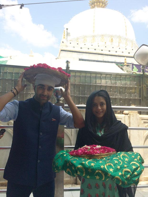 Aadar Jain and Anya Singh visit the Holy Ajmer Sharif Durgah-1
