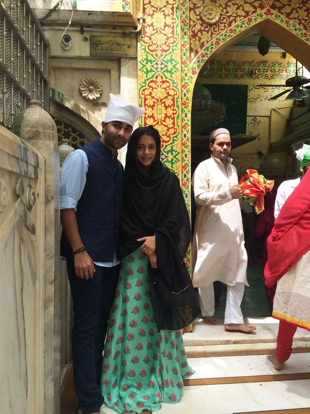 Aadar Jain and Anya Singh visit the Holy Ajmer Sharif Durgah-2