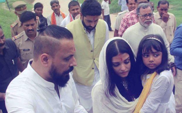 Aishwarya Rai Bachchan visits Allahabad 1