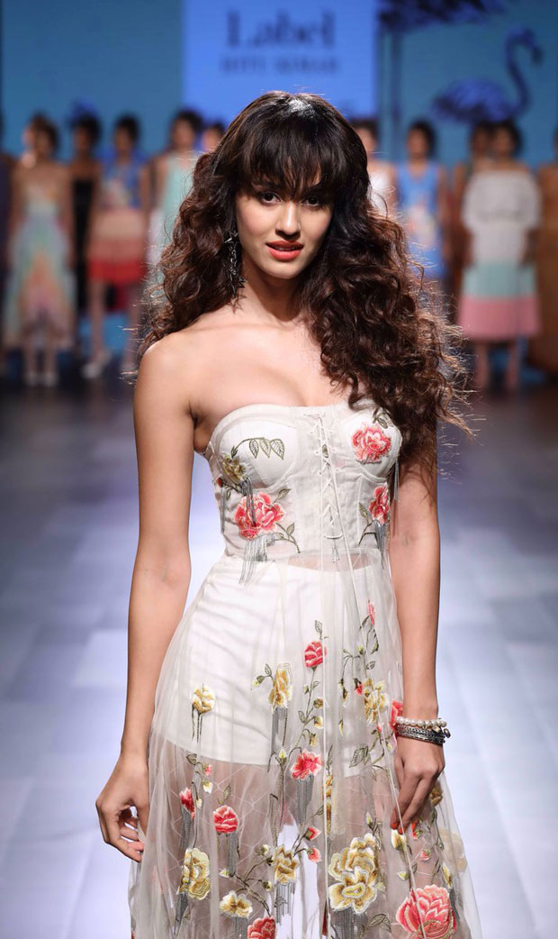 Disha Patani is vision in white as a showstopper at Lakme Fashion Week 2017-2