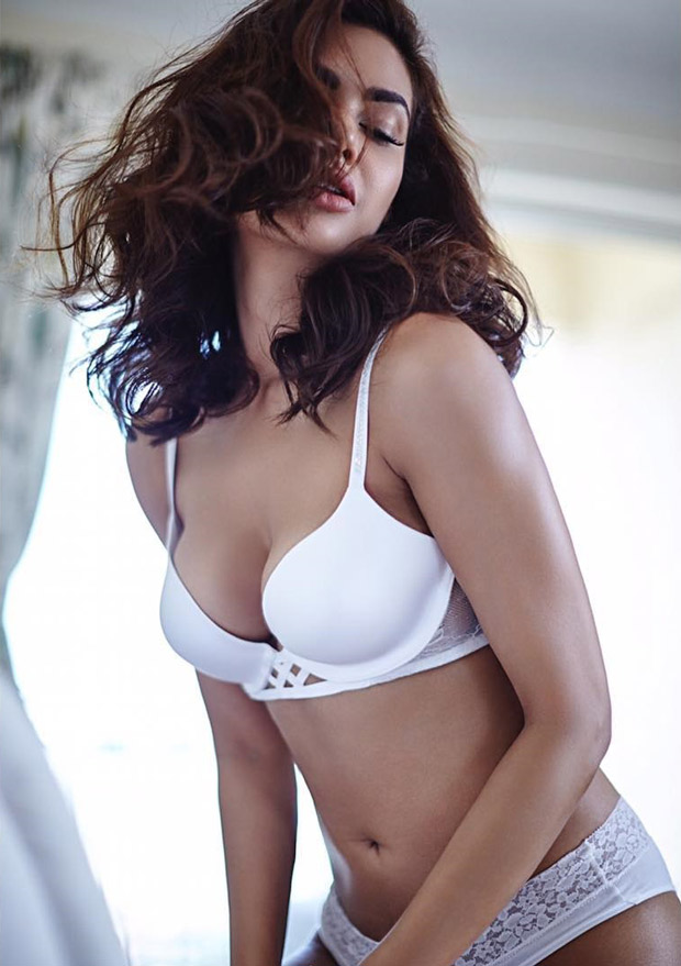 HOT Esha Gupta looks sexy as ever in a white bikini-2
