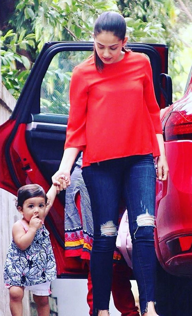 Shahid Kapoor and Mira Rajput's daughter Misha looks adorable as she stands on her feet-2