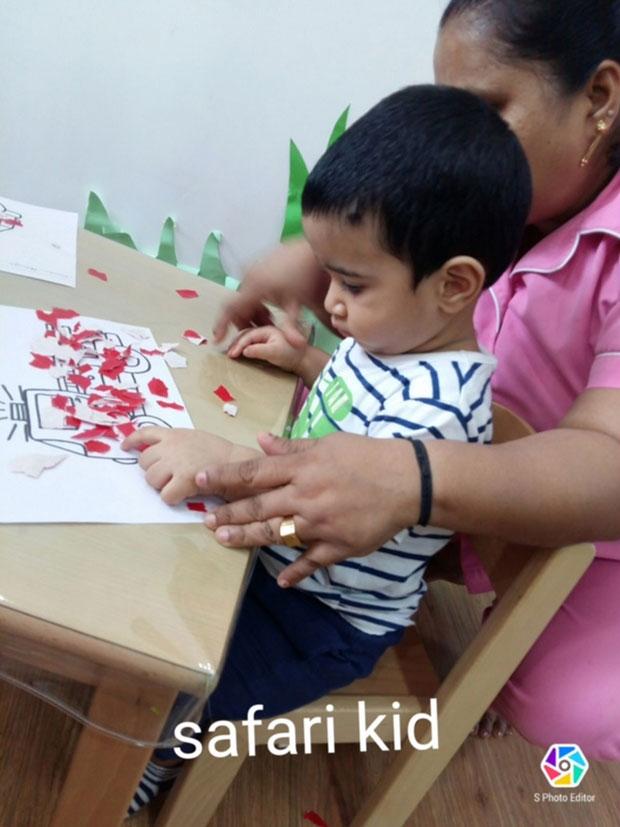 Tusshar Kapoor's son Laksshya Kapoor begins pre-school and it's adorable-2