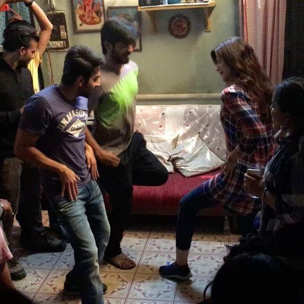 WATCH Bareilly Ki Barfi stars Ayushmann Khurrana and Kriti Sanon break into dance on Govinda's song 'Meri Pant Bhi Sexy'