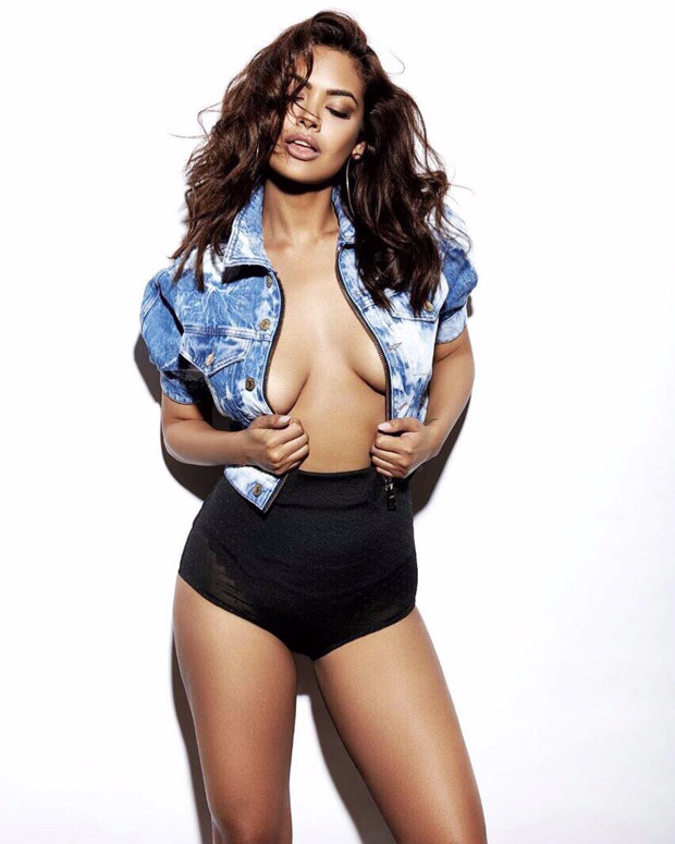 WOW! After 2 weeks, Esha Gupta finally posts yet another super-sizzling picture