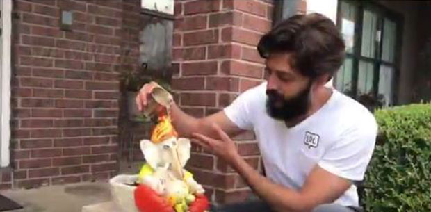 WOW! Riteish Deshmukh makes this eco-friendly Ganpati idol and Bollywood can't stop gushing about it
