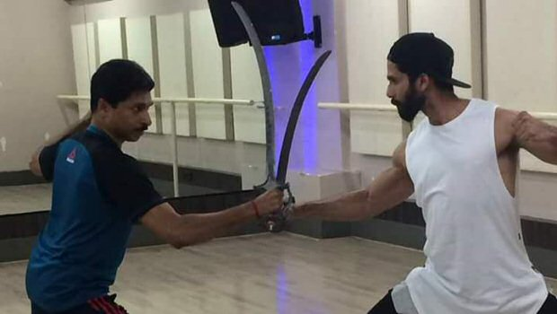 Check out Shahid Kapoor trains in sword fighting for Padmavati2