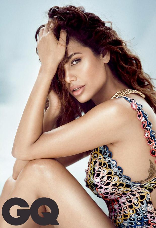 HOT Sultry siren Esha Gupta is Internet with her sexy bikini photoshoot for GQ