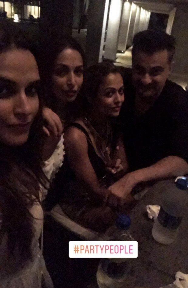 INSIDE PHOTOS Deepika Padukone, Katrina Kaif, Alia Bhatt, Karan Johar, Sidharth Malhotra and others at Shah Rukh Khan's grand birthday bash!-14