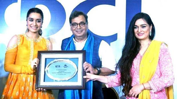 Shraddha Kapoor gets felicitated at IFFI 2017-1