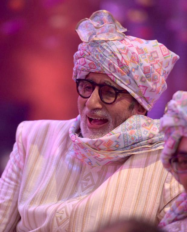 WOW! Amitabh Bachchan, Jaya Bachchan, Abhishek Bachchan, Aishwarya Rai Bachchan and Shweta Nanda attend a wedding and they all look regal! (2)