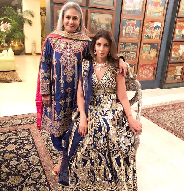 WOW! Amitabh Bachchan, Jaya Bachchan, Abhishek Bachchan, Aishwarya Rai Bachchan and Shweta Nanda attend a wedding and they all look regal! (5)