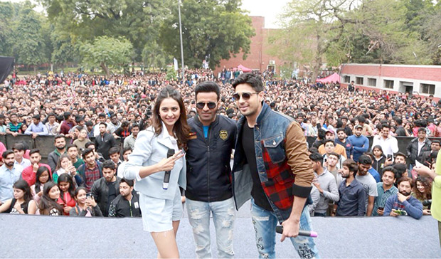 Here's how the team of Aiyaary had a gala time at Delhi University's SRCC college