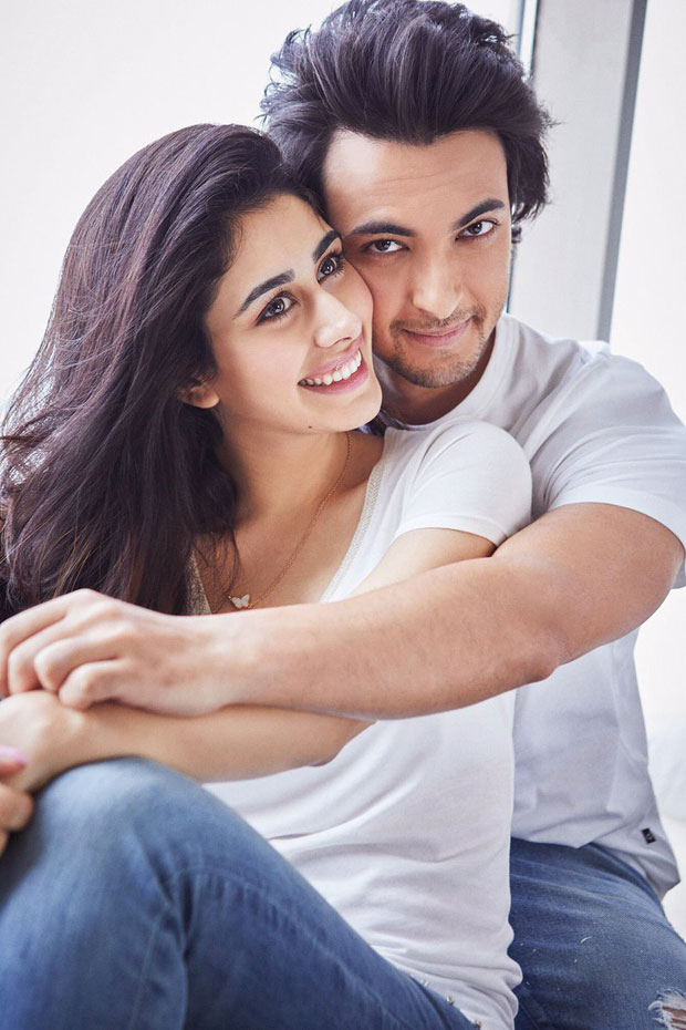 Loveratri couple Aayush Sharma and Warina Hussian look adorable in their first picture together