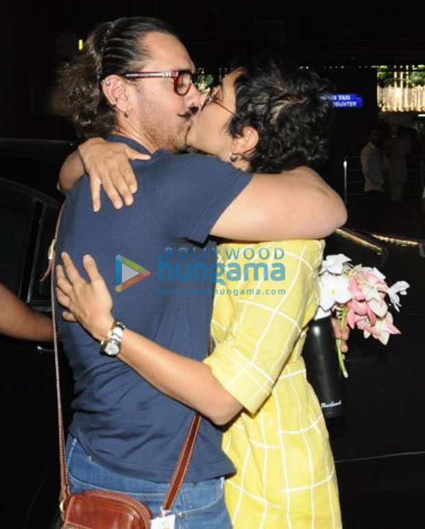 Aamir Khan SMOOCHES Kiran Rao and celebrates his birthday