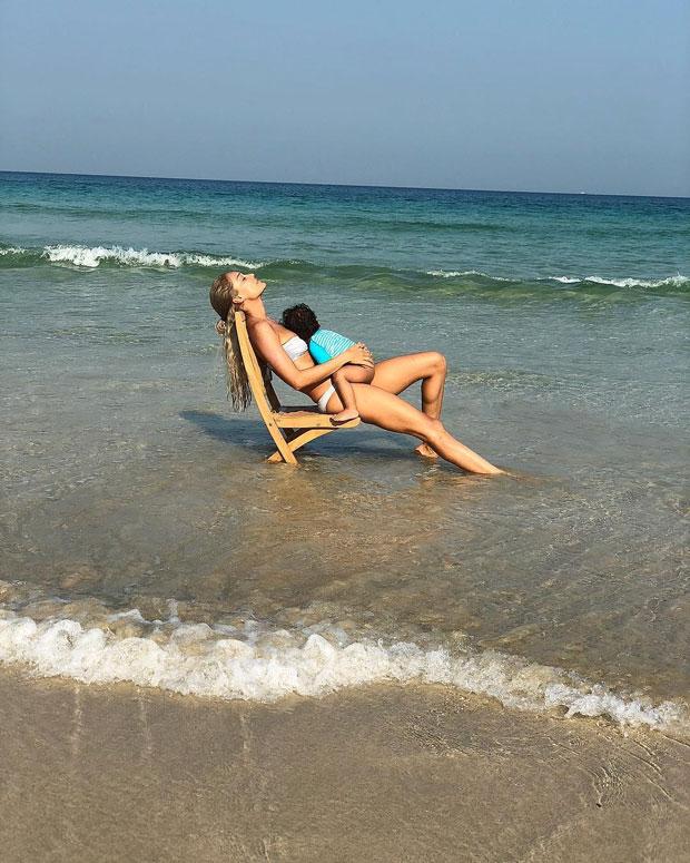 Lisa Haydon spends her day on the beach with her baby boy Zach Lalvani