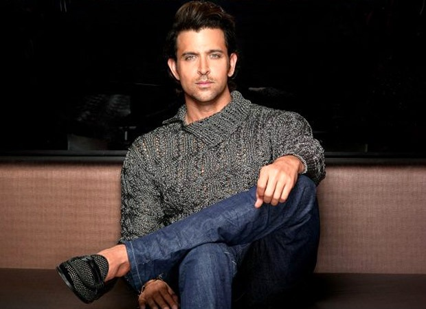 Hrithik Roshan to throw a party for Anand Kumar's 26 IIT-JEE 2018 pass outs