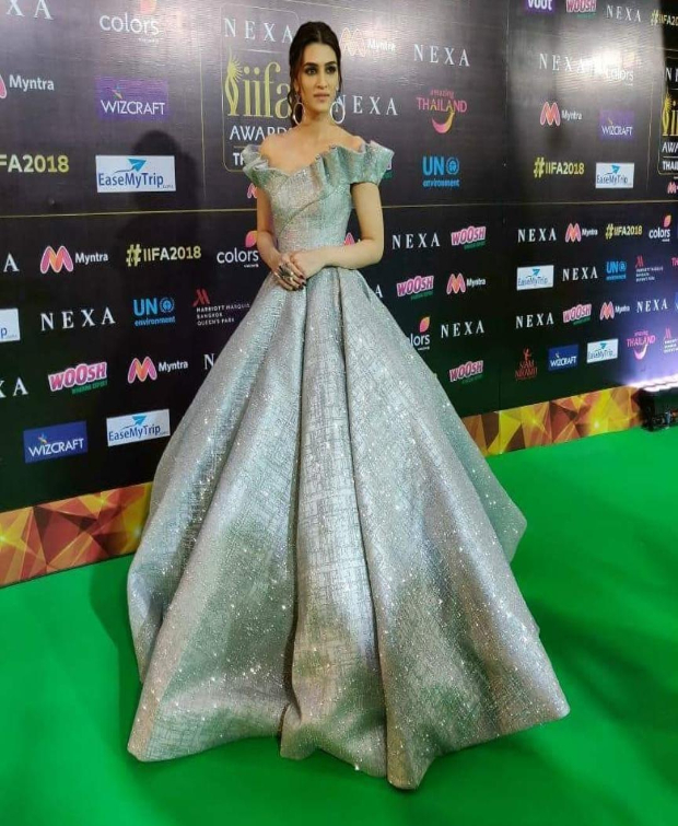 Kriti Sanon in a metallic gown IIFA Awards 2018