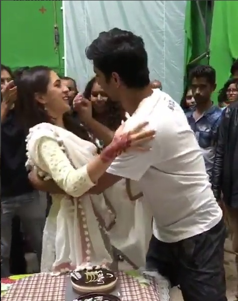 It's a wrap for Sushant Singh Rajput on Kedarnath; cuts a cake with Sara Ali Khan
