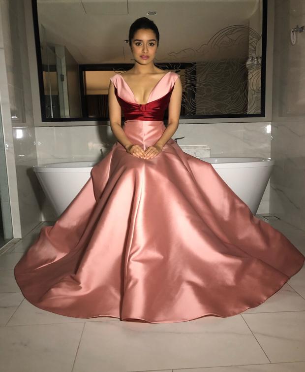Shraddha Kapoor in Reem Acra for IIFA 2018 Awards