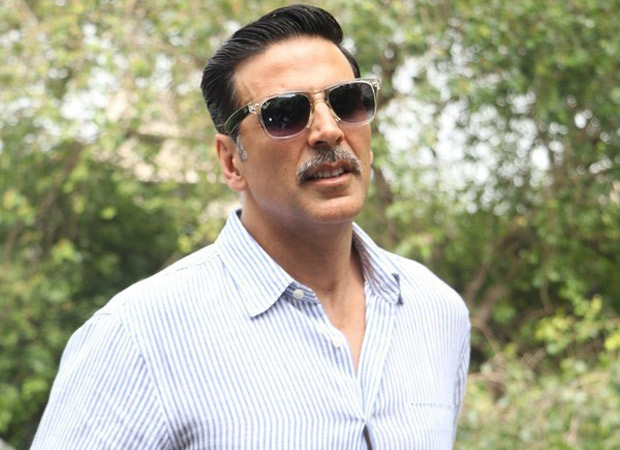 Akshay Kumar donates Rs. 5 lakhs to acid attack survivor Laxmi Agarwal