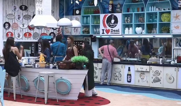 Bigg Boss 12: Saba Khan turns Jasleen Matharu AGAINST Kriti Verma; Karanvir, Romil and Nirmal JAILED for misconduct