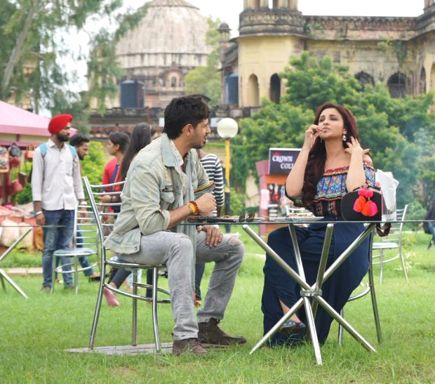 Parineeti Chopra binges onto Litti Chokha with Sidharth Malhotra in Lucknow during the shoot of Jabariya Jodi