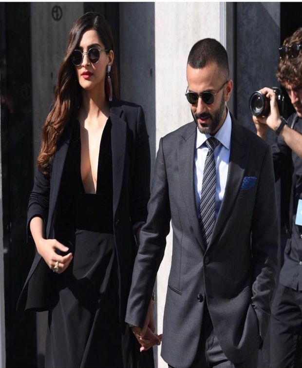 Sonam Kapoor at Milan Fashion Week for Giorgio Armani (3)