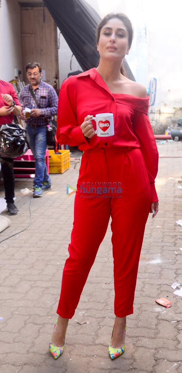 Kareena-Kapoor-Khan-snapped-at-the-Ishq-FM-office-6