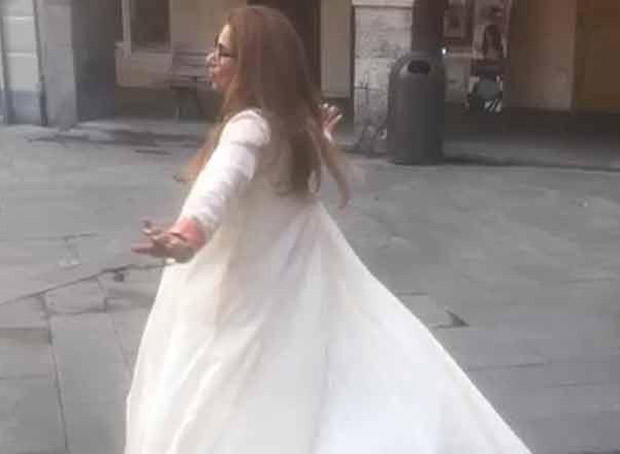 Viral Video Dimple Kapadia DANCING a tune from Bobby in Italy will transport you back in time