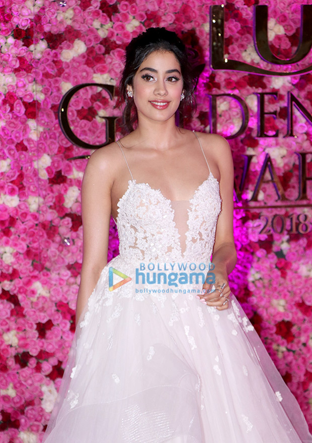 Janhvi Kapoor in Reem Acra for Lux Gold Rose Awards 2018 (4)