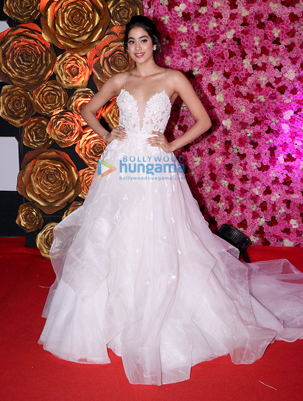 Janhvi Kapoor in Reem Acra for Lux Gold Rose Awards 2018 (7)