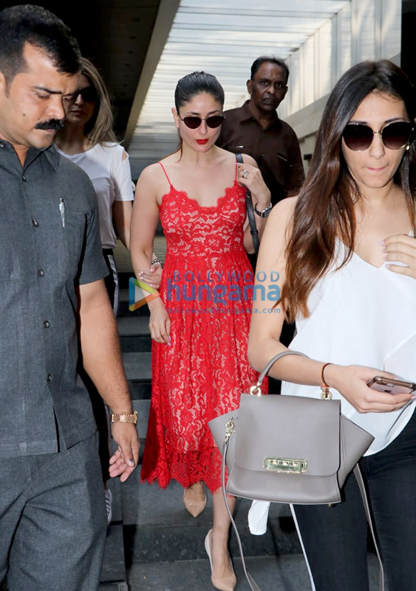 Kareena Kapoor Khan in H&M for a casual lunch date with cousins (1)