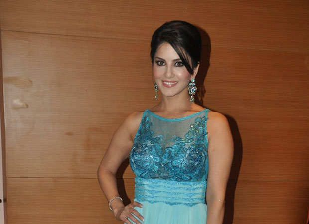 Sunny Leone PERFORMS in Bengaluru successfully and peacefully