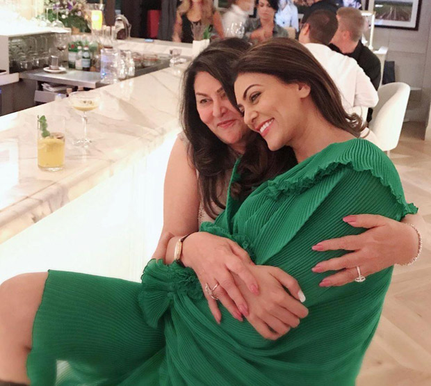 Sushmita Sen at 43, dances like a little girl with mom and brother and makes you wonder if age is just a number after all (Watch Video)