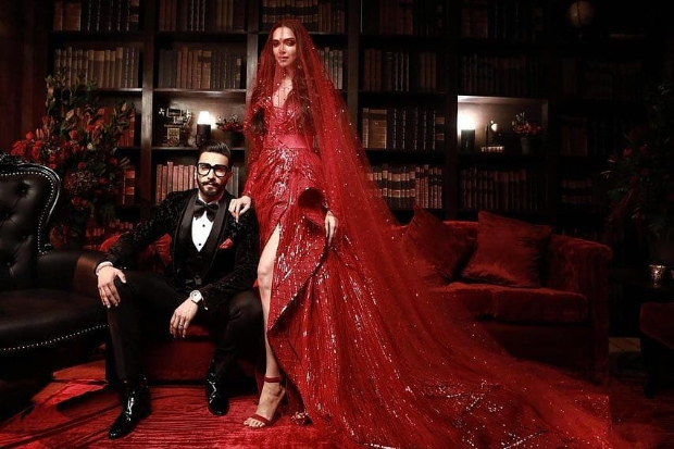 Ranveer Singh and Deepika Padukone Mumbai Reception: The newlyweds are EPITOME of ROYALTY in jaw dropping pictures