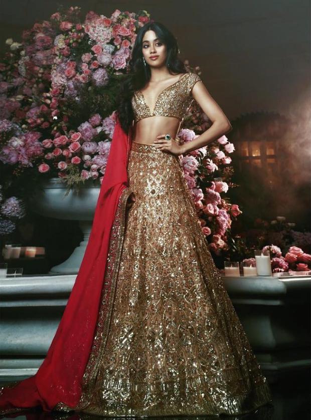 Janhvi Kapoor in Manish Malhotra Couture for Isha Ambani sangeet (1)