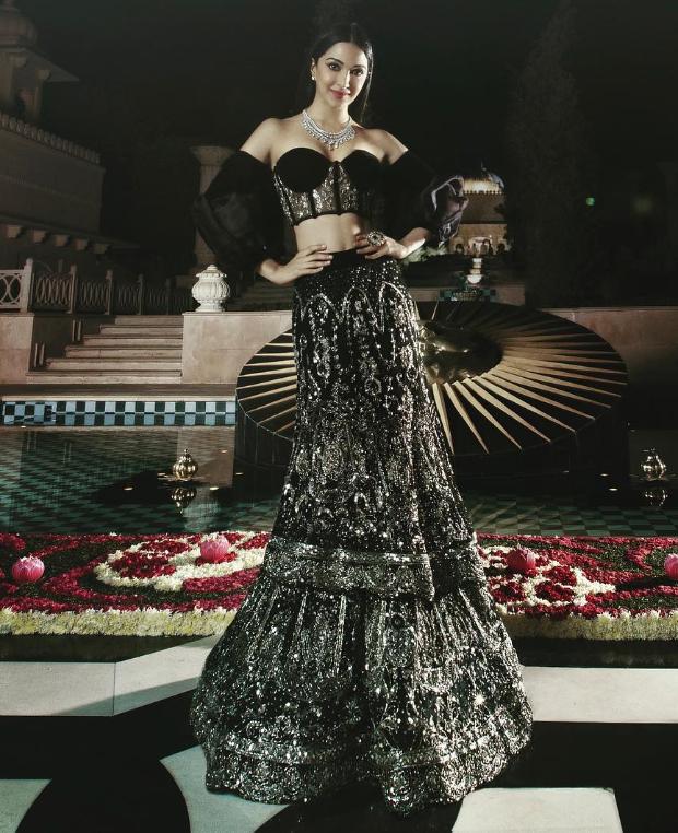 Kiara Advani in Manish Malhotra Couture for Isha Ambani sangeet (2)
