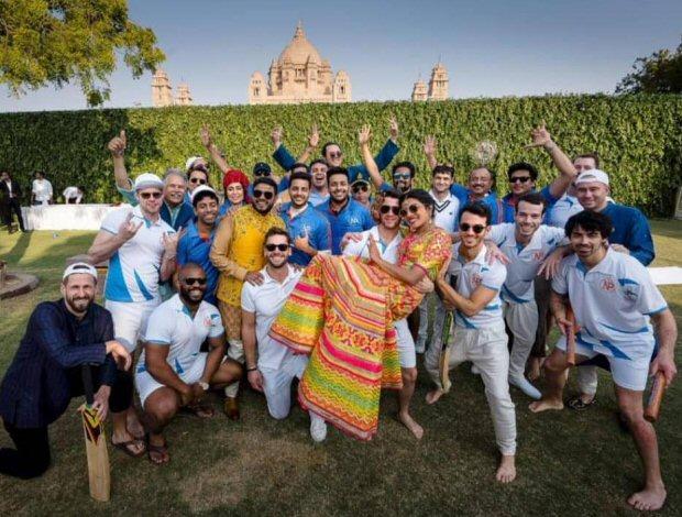 Priyanka Chopra - Nick Jonas Wedding: Ladkewale and Ladkiwale enjoyed a friendly game of cricket after the Mehendi ceremony