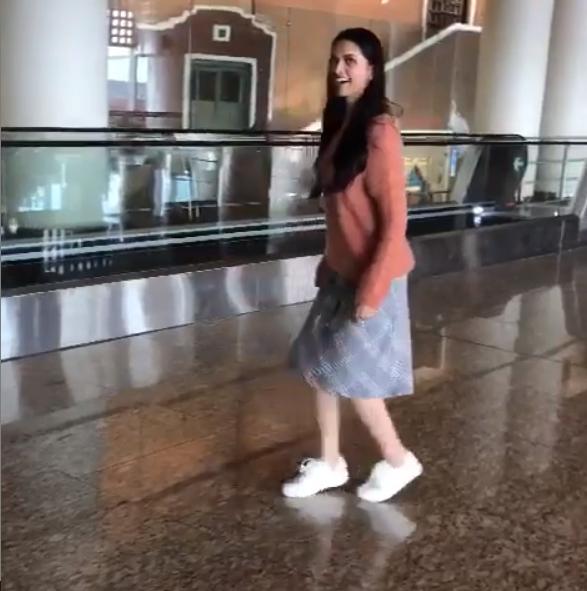 Deepika Padukone moonwalks to celebrate 30 million ...