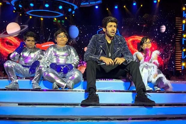 WOW! Kartik Aaryan helps a missing kid find his parents at Nickelodeon Kids Choice Awards 2018
