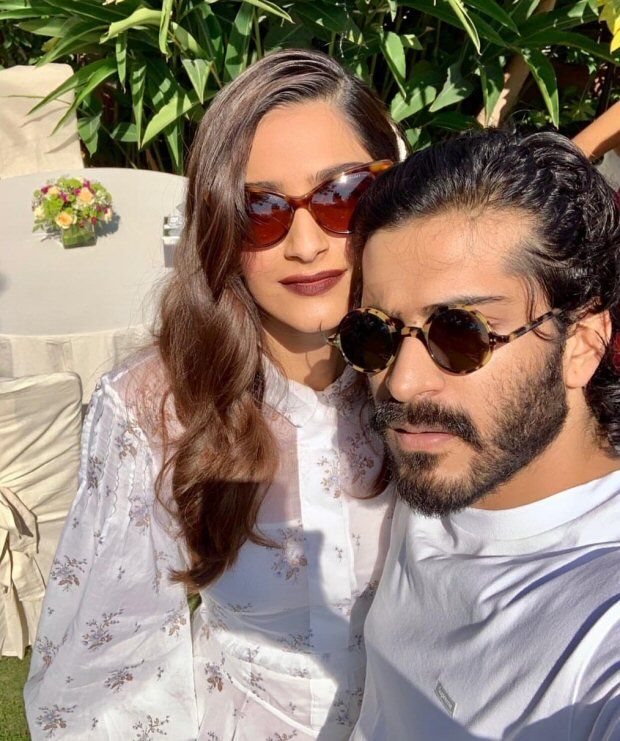Anil Kapoor enjoys family time during Sunday brunch as Sonam Kapoor, Anand Ahuja join the famjam