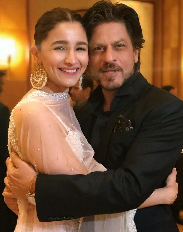 Dear Zindagi stars Shah Rukh Khan and Alia Bhatt reunite and share a hug at Mukesh Bhatt's daughter Sakshi Bhatt's wedding reception