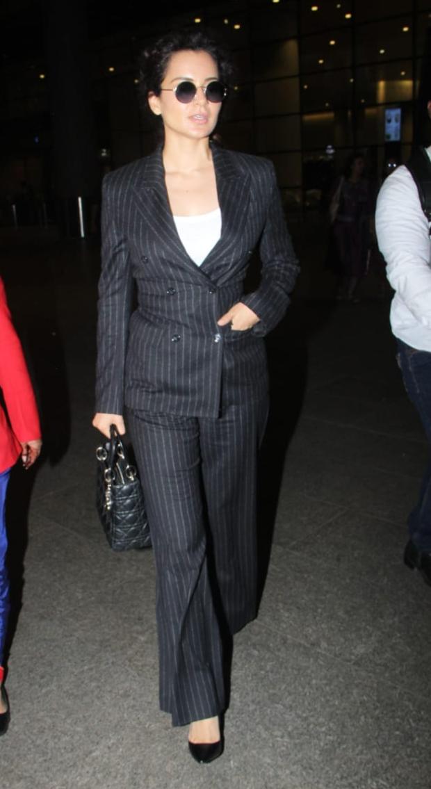 Kagana Ranaut in H&M at the airport (3)