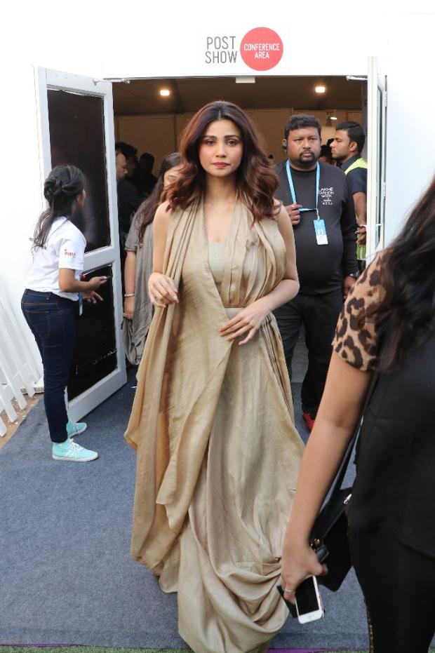 Daisy Shah for Kanchan More Sabharwal at LFW 2019 Summer_Resort (2)
