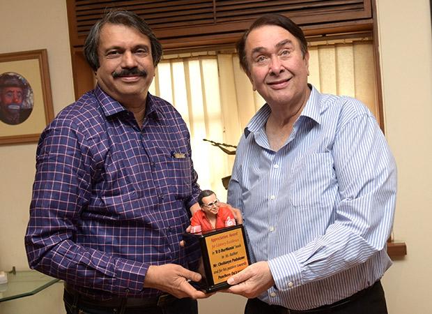 Randhir Kapoor bonds with author Chaitanya Padukone over his book R D Burmania