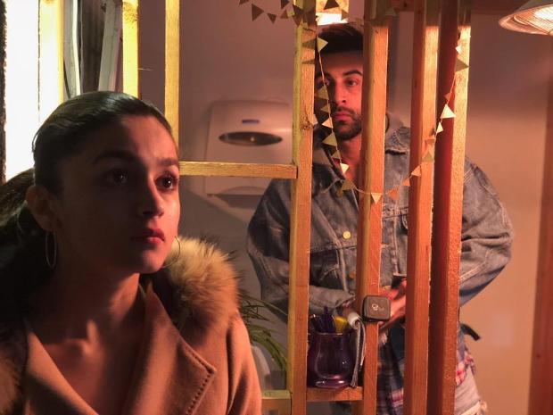 Brahmastra: Ranbir Kapoor's love locked gaze for Alia Bhatt in this BTS pic is the stuff of every woman's dreams