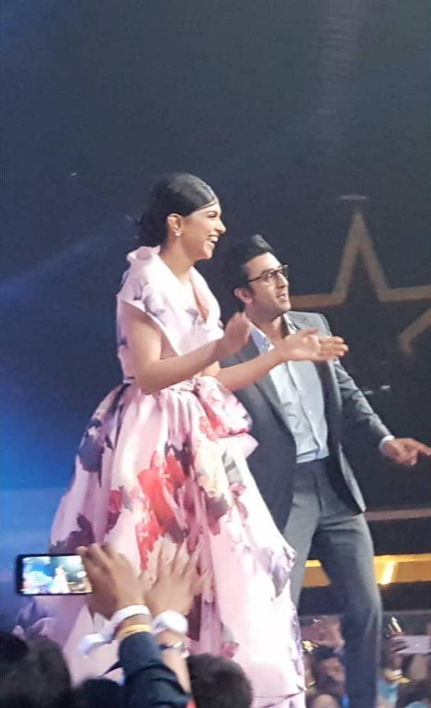 Ranbir Kapoor and Deepika Padukone groove to the beats of 'Aankh Marey, 'Matargashti' and 'Dilliwaali Girlfriend'