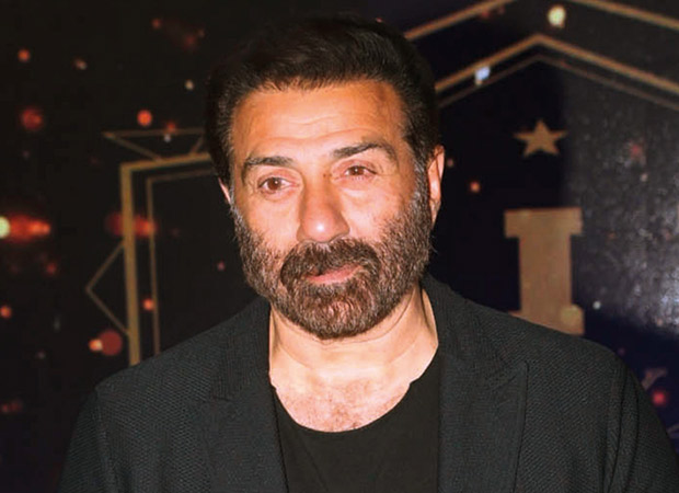 Sunny Deol and his convoy meet with an accident near Gurdaspur National Highway
