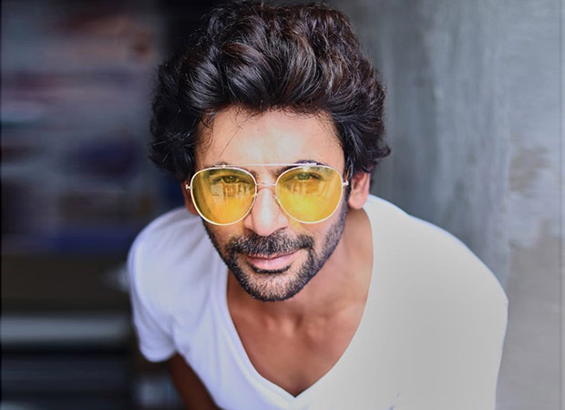 Bottle Cap Challenge: Sunil Grover gives the quirkiest twist to this Akshay Kumar challenge!